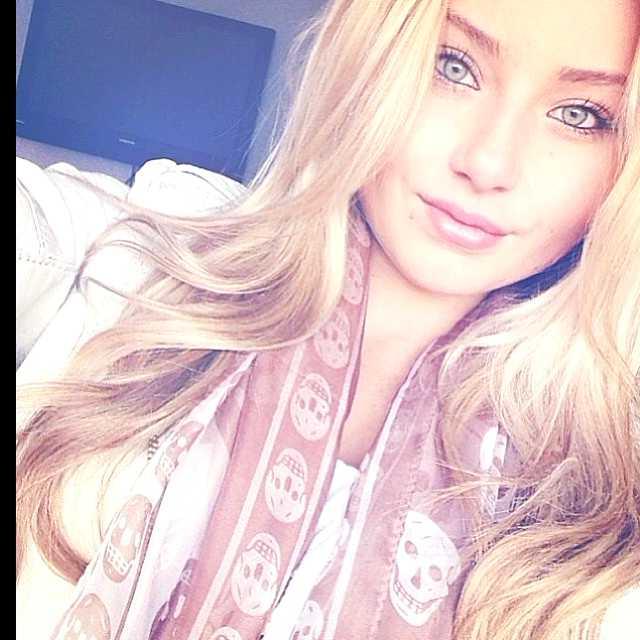 beautiful islandic girl